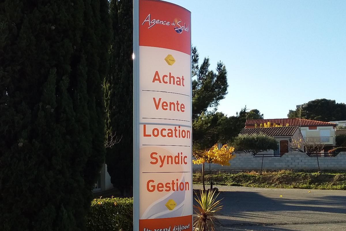 Plastimage – Experts totems à Narbonne et en Occitanie - Agence du Soleil