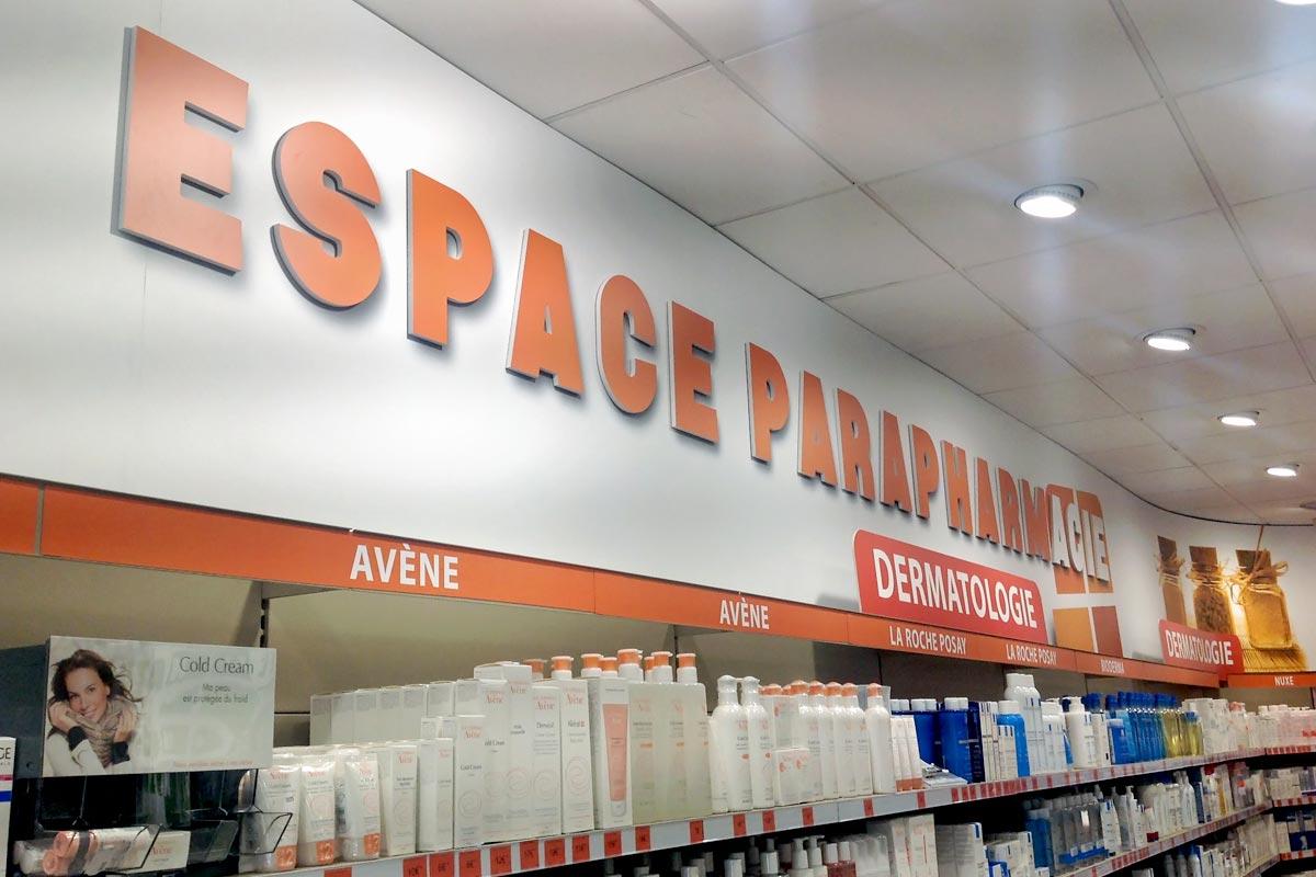 Plastimage - concepteur et fabriquant de signalétique d'intérieur à Narbonne & Occitanie - Pharmacie du centre St Gely